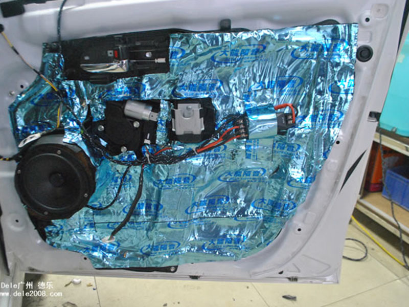 马自达5音响改装 曼斯特CS6508IV+全车隔音